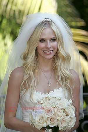 avril_lavigne_wedding1