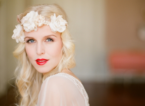 10-red-lips-bride