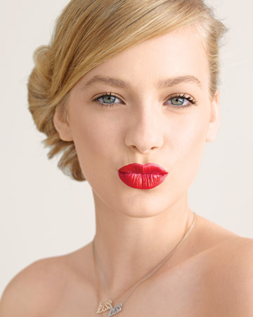 red lip bride2
